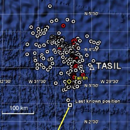 This map shows the location of all floating debris and bodies from AF 447. The bodies are represented by red circles and the debris by white ones. The tailfin (vertical stabilizer) is represented by the yellow diamond.